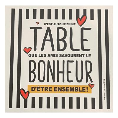 Linge aux Super-Pouvoirs - C'est autour d'une table que les amis savourent le bonheur d'être ensemble !